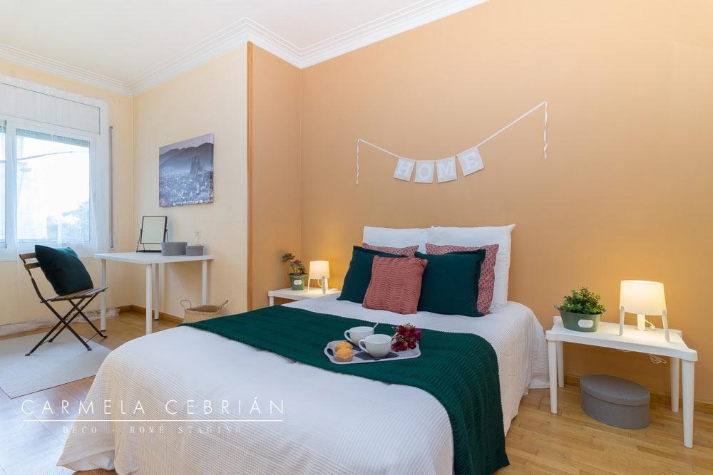 Dormitorio amueblado con aire y cartón